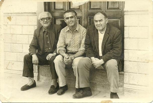 Antonio Sánchez, en el centro de la imagen. A la izquierda, Antonio Marín y a la derecha Juan Ramos. Foto cedida por su familia de fotógrafo.