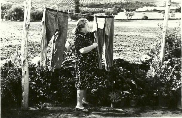 """Ana, la mujer de Antonio Sánchez """"el retratista"""", en una delas pocas imágenes que sobreviven de su archivo."""