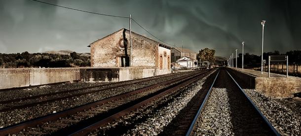 Estación de Setenil...y La Cueva. Foto: EDUARDO DE JUAN.