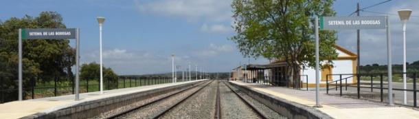 Por Setenil sólo pasan en los últimos tiempos dos trenes de Media Distancia que unen Algeciras y Granada: a las 11:45 de ida y a las 13 : 43 de vuelta. Foto: P.A.
