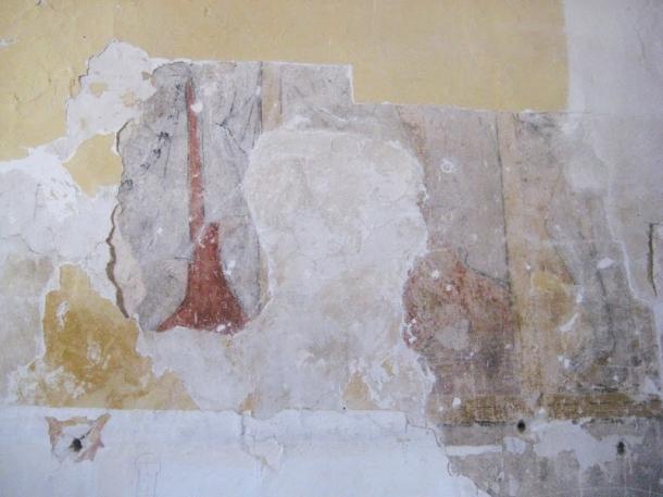 Pinturas murales aparecidas durate la restauración de la Iglesia. Han sido tapadas para su posterior recuperación.