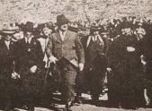 """Primo de Rivera en Arcos, en la inauguración del tramo de ferrocarril Jerez-Almargen el 9 de enero de 1927. Foto publicada en """"Papeles de Historia""""."""