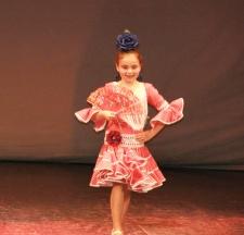 """Pase en Ronda de la colección """"Arco Iris"""" de moda flamenca de Ana Mari Romero. Teatro Vicente Espinel, 4 de mayo de 2013. Foto: MARI LUQUE"""