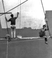 """""""Pintando un barco en Ls Palmas"""". Foto: NICOLAS MULLER"""