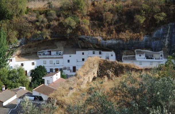 Detalle de Los Cortinales, antes de su restauración, con Las Jabonerías al fondo. Foto: ÁNGEL MEDINA LAÍN
