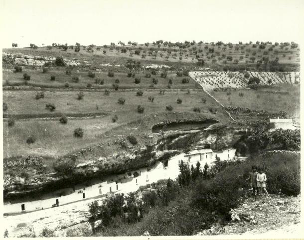 La Cabrerizas. en una fotografía del rondeño Miguel Martín tomada desde Los Cortinales, antes de la transformación de la Villa, más o menos donde ahora está el balcón.