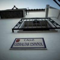 """""""Gibraltar español"""", una calle de Setenil cuyo nombre data de finales de los años 60. Foto: JOSÉ MANUEL FERNÁNDEZ PIEDRA"""
