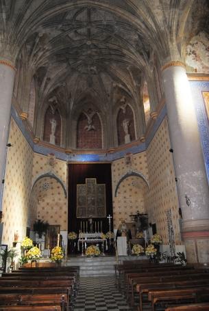 Imagen del altar antes de la última restauración de la iglsia. Foto: ÁNGEL MEDINA LAÍN