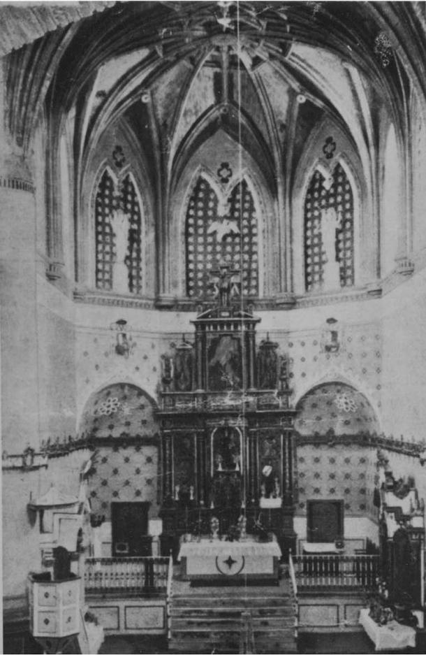 """Así era el altar a principios del siglo XX. Foto de 1908 recogida por Enrique Romero de Torres en el """"Catálogo de Monumentos Históricos y Artísticos de Cádiz"""", publicada en 1934. Esta imagen es anterior al incendio del templo."""