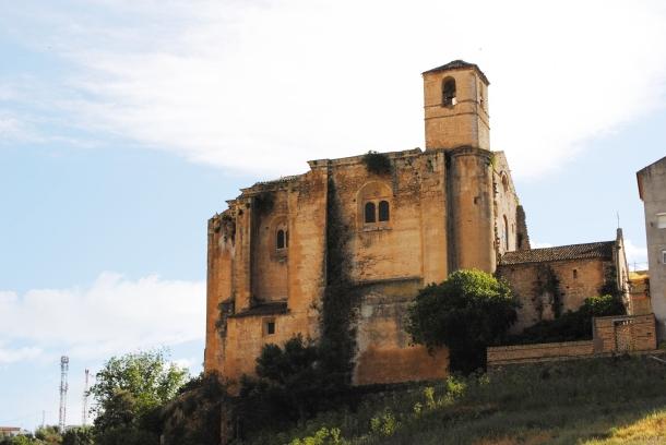 Imagen del perfil de la Iglesia antigua tomada desde Los Cortinales. Foto: ÁNGEL MEDINA LAÍN