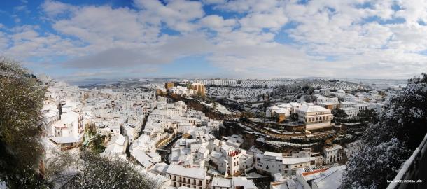 Pinchando en esta fotografía puedes mirar desde La Ladera la nieve en el portal de tu puerta en aquel maravilloso 28 de Febrero de 2013. Foto: ÁNGEL MEDINA LAÍN