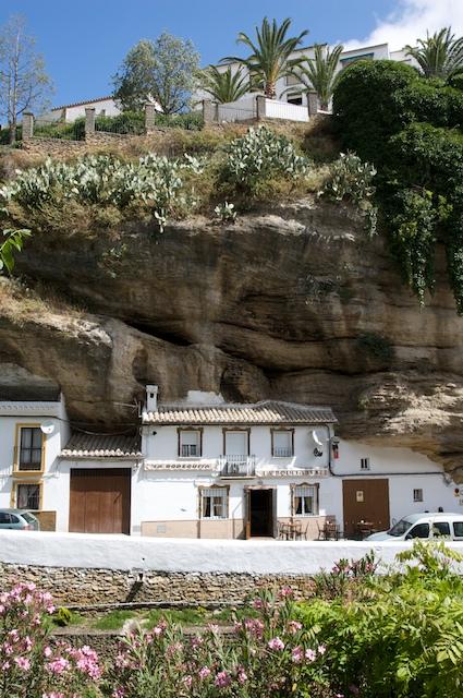 Detalle de Las Cuevas del Sol, vista desde las Cuevas de la Sombra. La superposición de calles entusiasma a los visitantes. Foto: CARLOS MIRA (Sacada de Flickr)