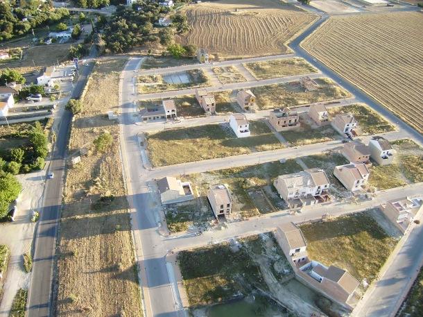 Las parcelas de El Higuerón, en fase de construcción. Foto: JOSÉ DURÁN