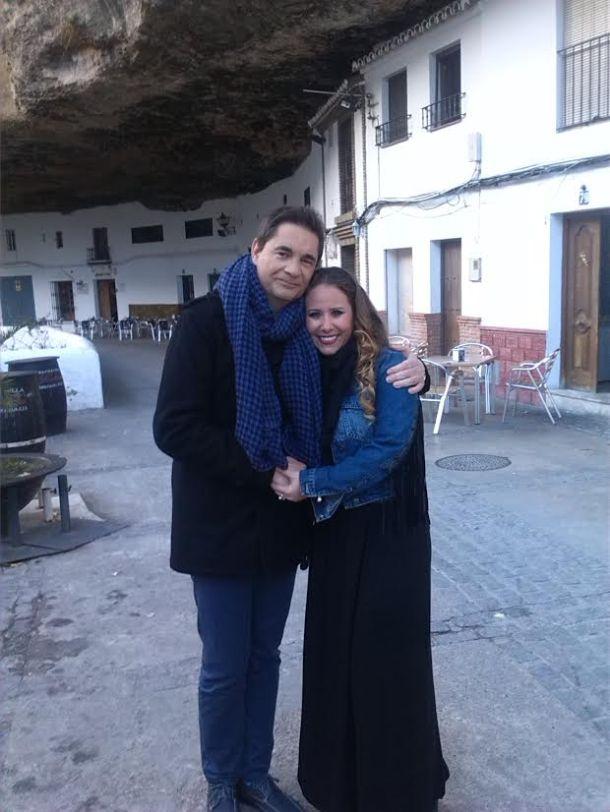 """Rafael Cremades y Juliana López, en las Cuevas del Sol. Foto cedida por """"Este es mi pueblo""""."""