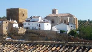 La Villa, con el Torreón medieval y la Iglesia. IMAGINA SETENIL