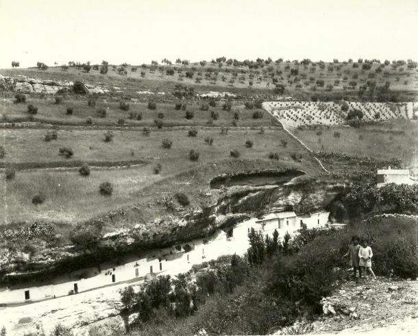 La Cabrerizas. en una fotografía del rondeño Miguel Martín tomada desde Los Cortinales, antes de la transformación de la Villa.