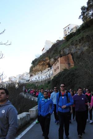 """La """"Marcha con Miguel"""" baja por Las Calañas. Bartolo Villalón marcó el paso del recorrido. Foto: ÁNGEL MEDINA LAÍN"""