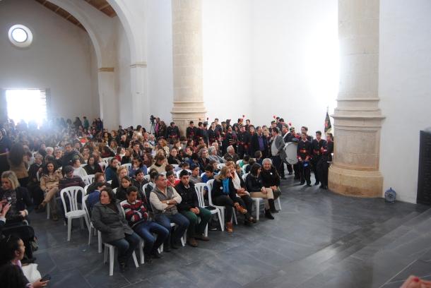 El público abarrotó la Iglesia de la Villa. Foto: ÁNGEL MEDINA LAÍN