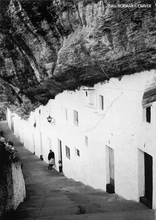 La impresionante calle Calcetas, fotografiada en los años '70. Foto: NORMAN F. CARVER