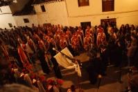 Los Regulares acompañan la salida de la Santa Cruz. Foto: LOLI CALVENTE