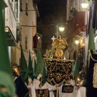 La procesión encara la calle Ronda. Foto: ÁNGEL MEDINA