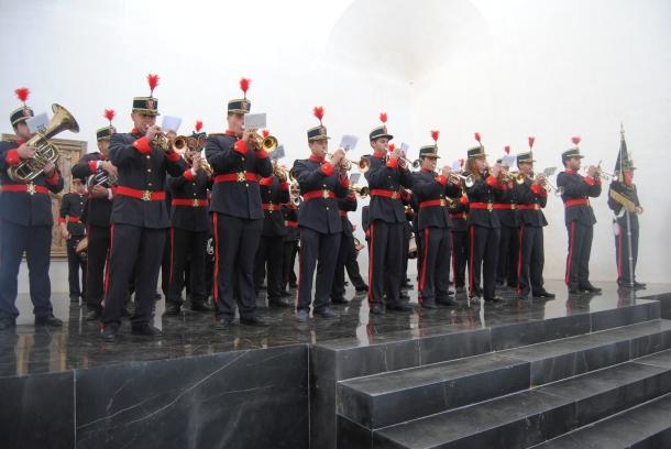 La Agrupación Musical San Sebastián de Setenil, durante la actuación. Foto. ÁNGEL MEDINA
