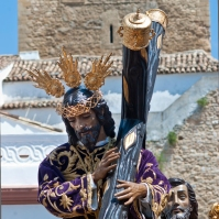 Impresionante imagen de Padre Jesús con la Torre del Homenaje a sus espaldas. MARIO GARCÍA VARGAS.