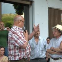Ezequiel Martínez y Bartolo Villalón, a quien agradecemos personalmente que prestara el equipo de megafonía... y su permanente interés por Setenil. Foto: ÁNGEL MEDINA LAÍN