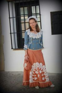 "La presidenta de la goyesca rondeña luce un modelo de Ana Mari Romero durante ""Ronda Romántica""."