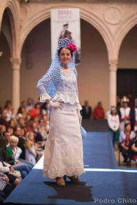 """Isabel, durante el desfile de los trajes de Ana Mari Romero. Foto: PEDRO CHITO. """"RONDA ROMÁNTICA"""""""
