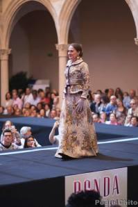 """Leonor, durante el desfile de los trajes de Ana Mari Romero. Foto: PEDRO CHITO. """"RONDA ROMÁNTICA"""""""