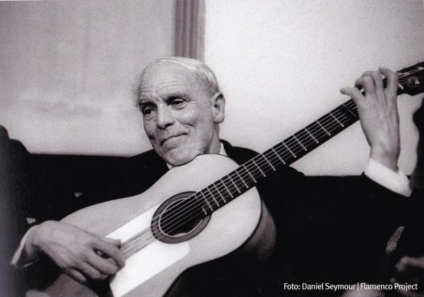 """Diego del Gastor, una leyenda del flamenco, y un asiduo de la casa de """"La ponderosa"""" en Setenil, en una imagen tomada en 1970. Foto: Daniel Seymour, recogida en """"Flamenco Project"""""""
