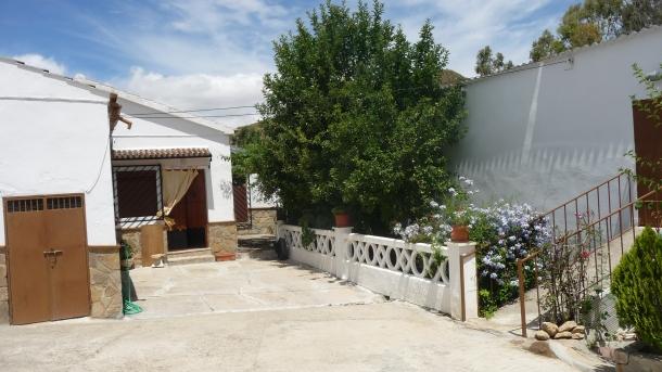 """La casa de """"La Ponderosa"""", actualmente propiedad de José Parra el Chinorro y Loli Vargas, está en venta."""