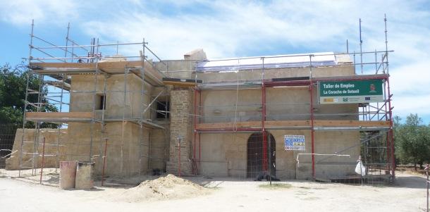 Imagen de la ermita en julio de 2014, durante la fase final de las obras.