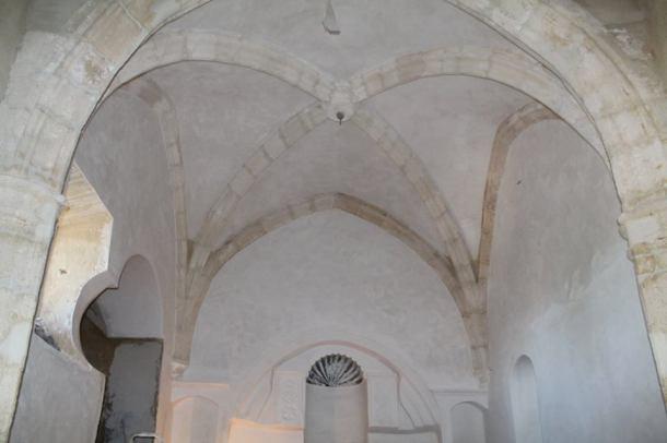 Imagen del interior de la ermita durante las obras en julio de 2014