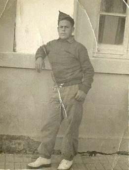 MILI OBLIGATORIA. Un joven Rafael Villergas, durante el servicio militar. Antes era obligatorio y consumía al menos dos años de la vida de los jóvenes.