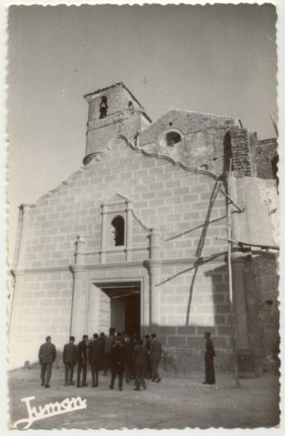 La nueva portada de la Iglesia de la Villa, todavía en obras, que tapó la puerta antigua del templo mudéjar. Foto: JUMAN