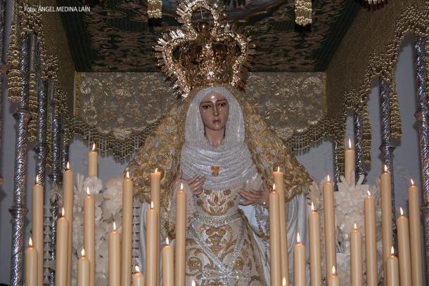La Virgen de los Dolores, en la Iglesia de la Villa, tras la reposición de una lágrima que le hizo el propio creador, Luis Álvarez Duarte. Foto: ÁNGEL MEDINA LAÍN