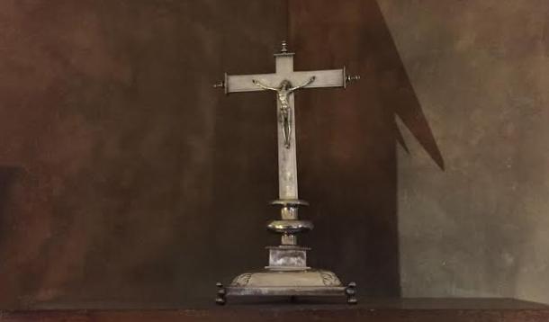 Crucifijo de Altar, de plata, que data del siglo XVI. Foto: JACKY KOOKER REAL.