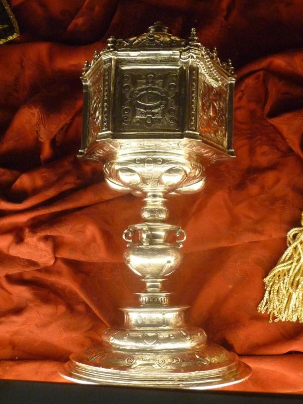 Copón de plata, con una rica orfebreria. Data del siglo XVII. Foto: JACKY KOOKER REAL