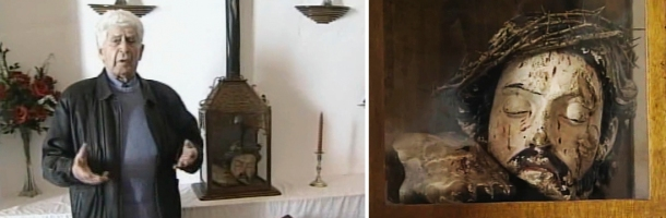 """Fotograma capturado de un reportaje sobre Cristóbal Andrades (es mi tío abuelo y sobrino de dos concejales republicanos), el querrillero setenileño que luchó contra los nazis en los Pirineos. Este fue el momento en que se encontró en la ermita del Carmen (en su visita a Setenil en 2008) la cabeza de un crucificado que él aseguraba haber recogido del río y entregado a una familia vinculada a la Iglesia. Según dijo, la profanación del templo había sido obra de """"unos anarquistas de Ronda""""."""