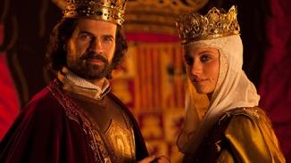 """Los actores Rodolfo Sancho (hijo de Sancho Gracia, """"Curro Jiménez"""") y Michel Jenner, protagonistas de la popular serie """"Isabel""""."""