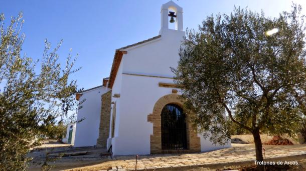 Aspecto de la ermita de San Sebastián tras concluir su restauración. Foto: TROTONES DE ARCOS. Más información en su web http://pavostrotones.blogspot.com.es/