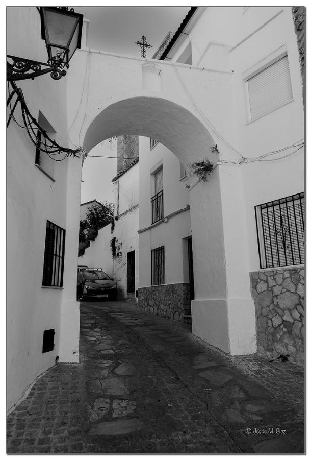 El Arco de la Villa, más alto que el antiguo. Foto: JESÚS M. GLEZ.