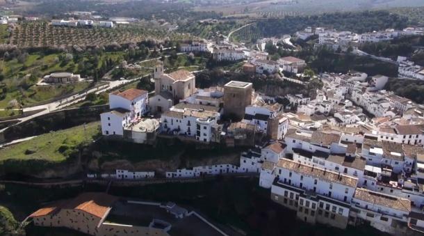 Imagen aérea de la Plaza de la Villa y Las Calcetas.