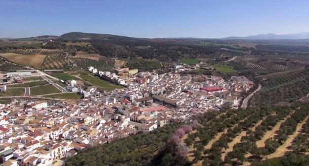 Alcalá del Valle, en un imagen aérea en el que se refleja su fantástico entorno.