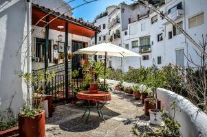 La adornada esquina de la calle Triana.Foto: MANUEL FIJO. Más imágenes en en su web http://goo.gl/MjVRNv