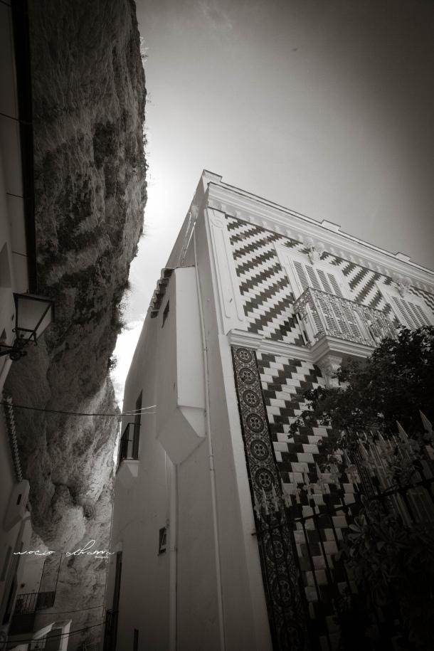 La singular casa de Candidita, al llegar a la Plaza de Andalucia, justo en la terraza del Bar Domínguez, a los pies de El Lizón y la muralla medieval. Foto: ROCÍO ALHAMA. https://flic.kr/p/fjKqH4
