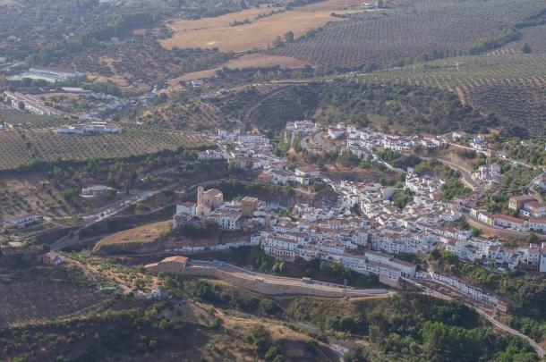 Imagen aérea de Setenil tomada por la Diputación de Cádiz en marzo de 2014.