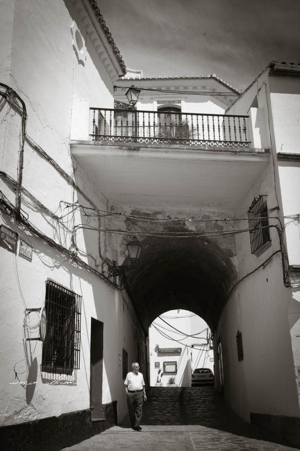 Detalle de los cables en El Callejón, en la Plaza de Andalucía, justo debajo del Ayuntamiento. Foto: ROCÍO ALHAMA. https://flic.kr/p/fjKuLB